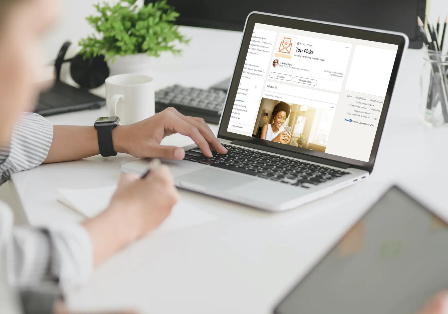 Newsletter do LinkedIn: rede social lança novo formato de conteúdo no Brasil